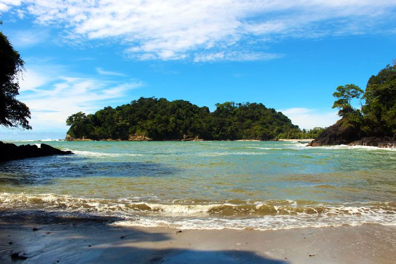 The complete guide to hiking Manuel Antonio National Park - sendero playa gemelas
